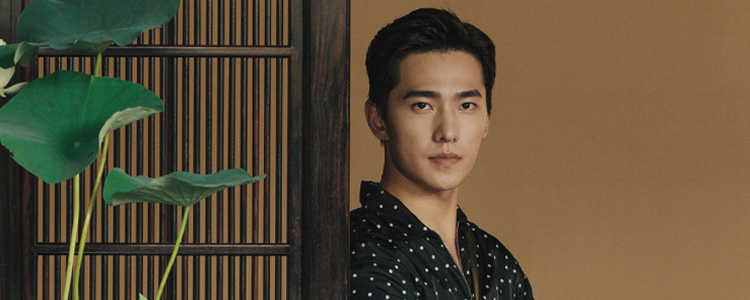 杨洋登上《时装男士》八月刊封面!